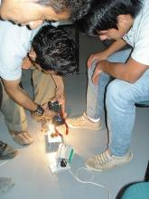 Grupo de estudiantes de electricidad